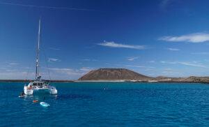 Un día inolvidable en Fuerteventura a bordo de un catamarán