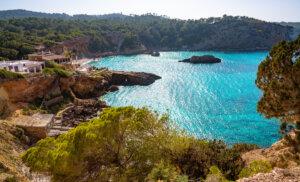 Cala Xarraca, un bello rincón en Ibiza