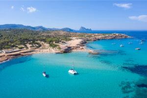 Sant Antoni de Portmany, un destino imperdible en Ibiza